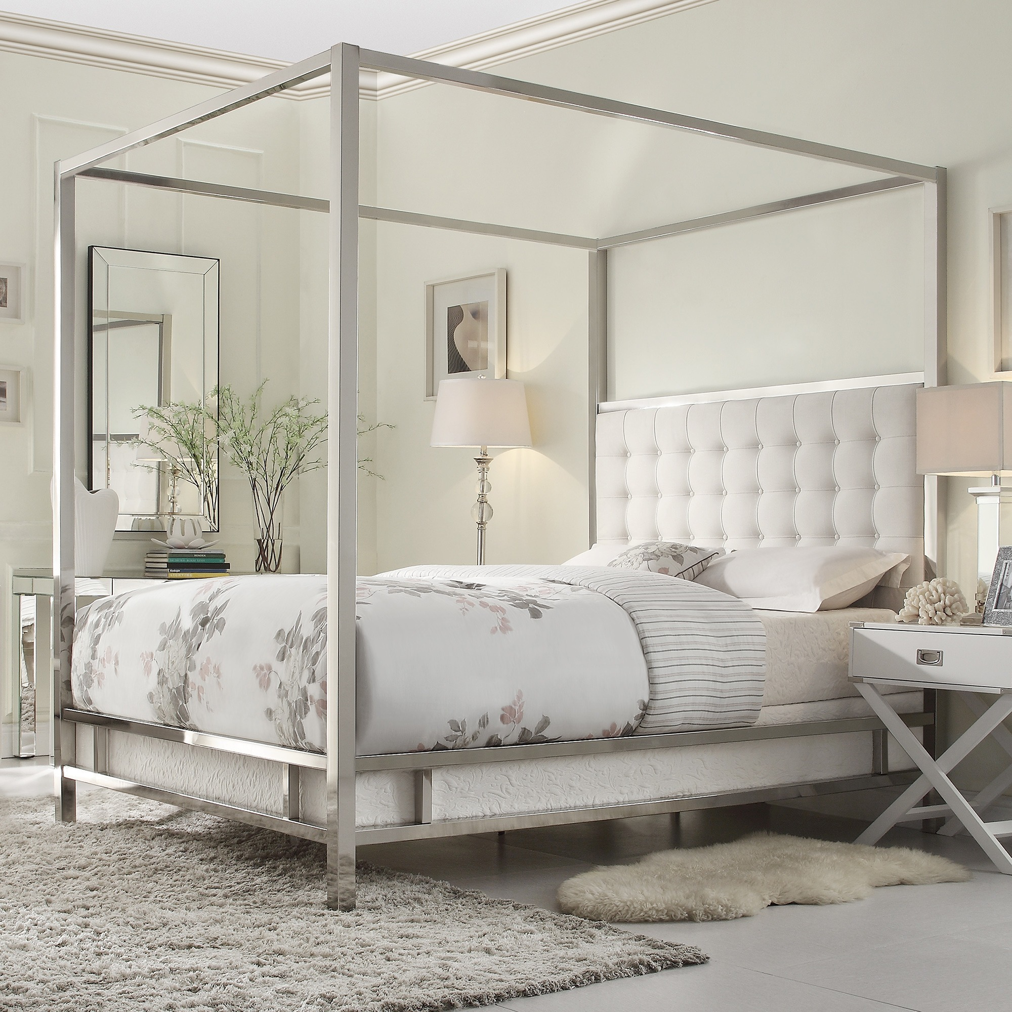 The look for less swanky and elegant four poster bed for Looking for a 4 bedroom